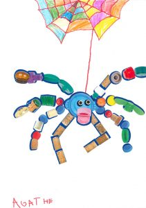 Agathe, quelle bonne idée cette superbe araignée colorée !