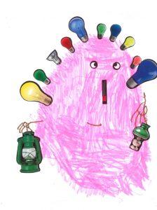 Une lanterne et une lampe dans chaque main, le bonhomme d'Hanae luit comme un phare dans la nuit.