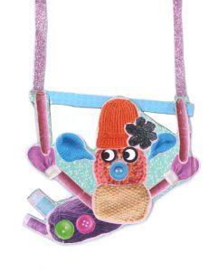 Regardez comme le bonhomme tricotin de Léa est balèze au trapèze !